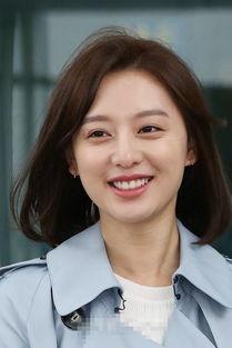 金智媛甜美微笑礼貌挥手 现身机场飞上海拍广告