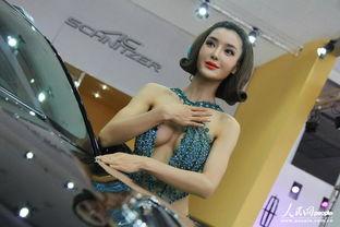 2012长沙车展李颖芝水晶钻清凉装秀豪乳勾人抢镜