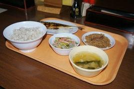 满足你的猎奇心 不蹲监狱也能吃到牢饭的日本餐厅