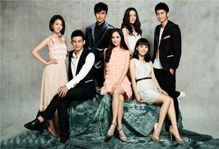 杨幂与众主演最近转型杨担任制片人兼主演的青春偶像剧《微时代》