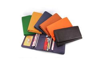 五行适合什么颜色的钱包(如何按照五行选择钱包)