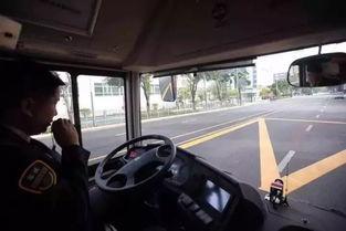深圳的公交车这个月起不配司机了无人驾驶公交离重庆还有多远