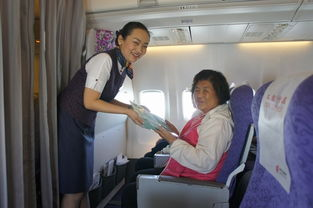 万米高空铭记母爱国航空姐为母亲送祝福
