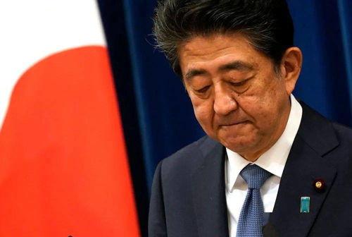 日本首相安倍晋三召开新闻发布会,正式宣布辞职.