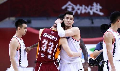 季后赛表现出色的孙铭徽吴前和郭艾伦,谁更适合男篮首发控卫