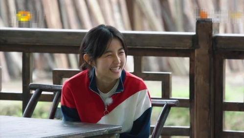 张子枫穿搭被吐槽因向往的生活被圈粉,18岁青春的样子