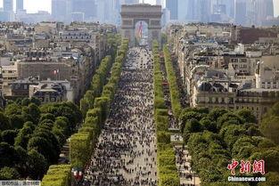 巴黎香榭丽舍大道首次迎来车辆禁行日