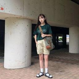 长袜配运动鞋 少女感满分的日常搭配,才是你的减龄必杀技,带你找回初恋让人心动的感觉