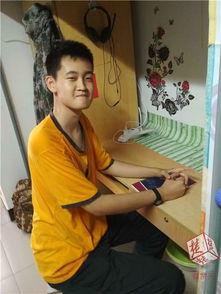 身高2.01米腿长1米2武汉一高校迎十几年来最高新生