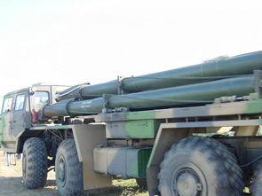 我军a100远程火箭炮装弹好费劲