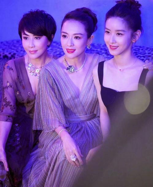 刘嘉玲晒与章子怡章泽天刘雨昕合影,画面太美就像现成的杂志封面