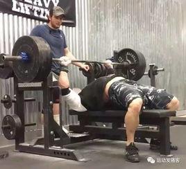 卧推是力量训练之母,可你真的会卧推吗 细数卧推中的错误动作