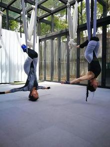 明星模特们的私教刘涛美丽空中瑜伽照片背后的神秘教练Kinki,现在为你带来空中地面体系快速高效塑形理疗系统课程