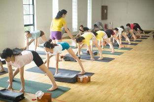 瑜伽侧弯练的是哪里