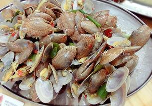 第一市场海胆蒸蛋孤陋寡闻的我们都不知道海胆在哪里味道都很不错的!