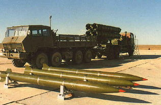 中国ws-1b四联装火箭炮.(