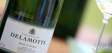 白丘中的翡翠 沙龙 Salon 香槟与德乐梦香槟