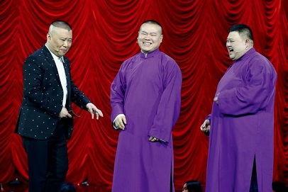 2009年,再一次德云社商演后,孙越和孙越和岳云鹏是当下非常火的相声组合,岳云鹏已经成