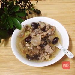 炖鸡汤做法(煲鸡汤怎么做好吃?)
