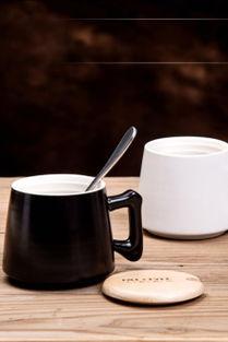 咖啡杯盖子怎么用