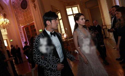郎朗婚礼现场照曝光,周杰伦昆凌现身,郎朗和新娘热吻