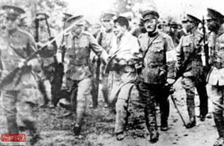 警卫员被日军女特务诱骗刺杀彭德怀 下不去手自杀