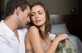 为什么女人会原谅男人出轨 男人出轨值得原谅吗