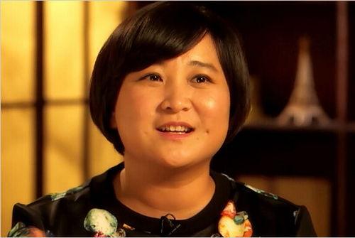 贾玲说起来贾玲年轻时候也是很漂亮的,但是今年34岁的贾玲却一直没有结婚.