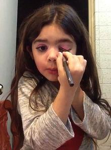 哥伦比亚5岁女孩成化妆达人 教学视频走红网络