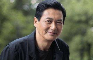 他是80年代香港男星周润发,演技一流无人堪比