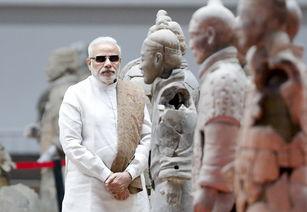 2015年,莫迪访问中国参观兵马俑.