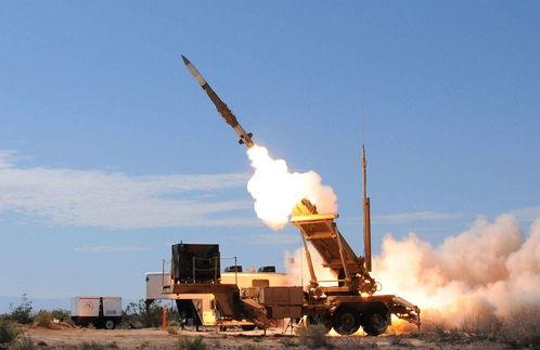 30万吨油轮被扣后,伊朗新式导弹齐射反击,一举炸毁爱国者