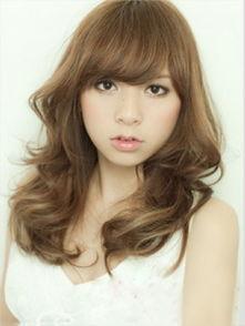 大圆脸女生适合的发型图片 8款显瘦发型打造巴掌小脸