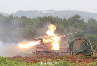 我军11式模块化火箭炮火力激射