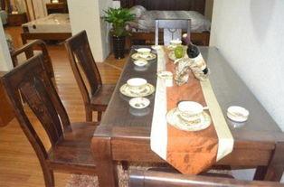 圆桌代表着团团圆圆,现在很多老一辈的家里一般都是购买圆桌的,因为圆桌有一个特点就是不管你做多