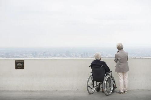 上海50多位老人众筹买房却曲终人散醒醒吧,没钱谈什么优雅变老