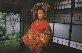 实拍日本红唇艺伎的隐秘世界