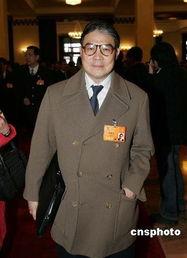 中新网3月4日电据香港大公报报道,港区人大代表团3日举行小组预备会议,选举袁武、吴清辉、谭惠珠为正、副团长。