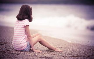伤感女生的唯美孤单背影精选桌面壁纸图片大全高清大图预览2560x1600 美女壁纸下载