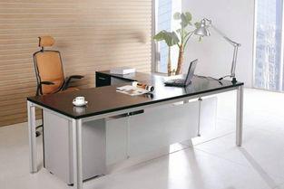 办公桌的风水植物应该放左边还是右边(我的办公桌在们左侧靠墙角此