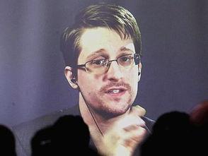 爱德华·斯诺登图片据视觉中国日前据俄媒称,前美国国家安全局雇员爱德华·斯诺登驳斥了所谓他为俄罗斯政府工作的谣言。