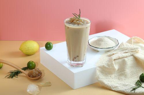 秋天的第一杯奶茶要52块