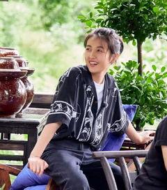 张子枫向往的生活上热搜,私服穿搭有品位