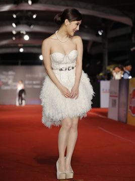 香港嫩模入选美国网站 百位最美女星 榜 港澳频道